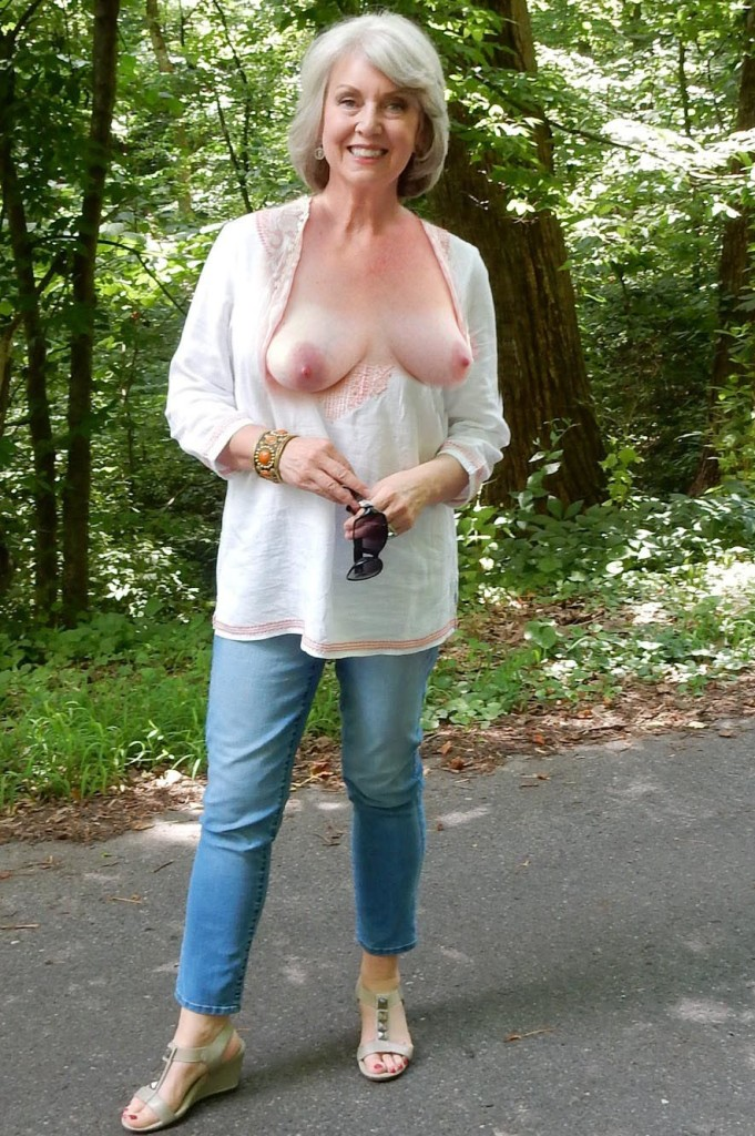 Fickwillige Mamas suchen sexy Abenteuer.