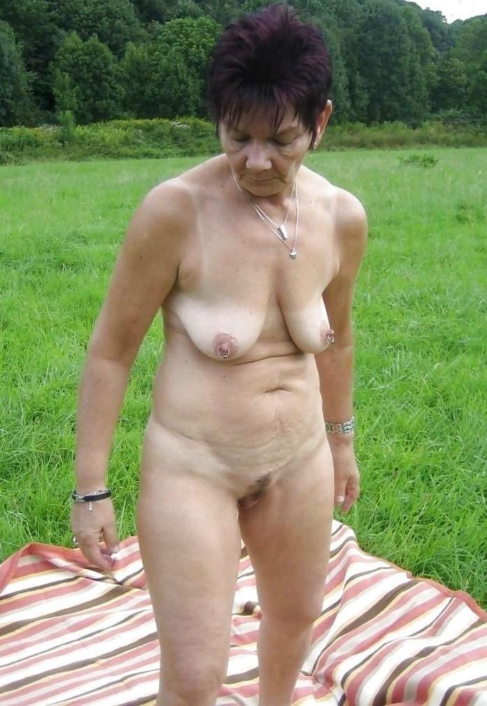 Aufgeschlossene Frau