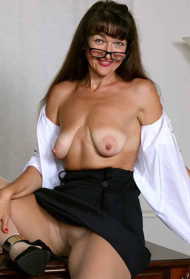 Fickwillige Weiber brauchen kurzweiliges Sexvergnügen.