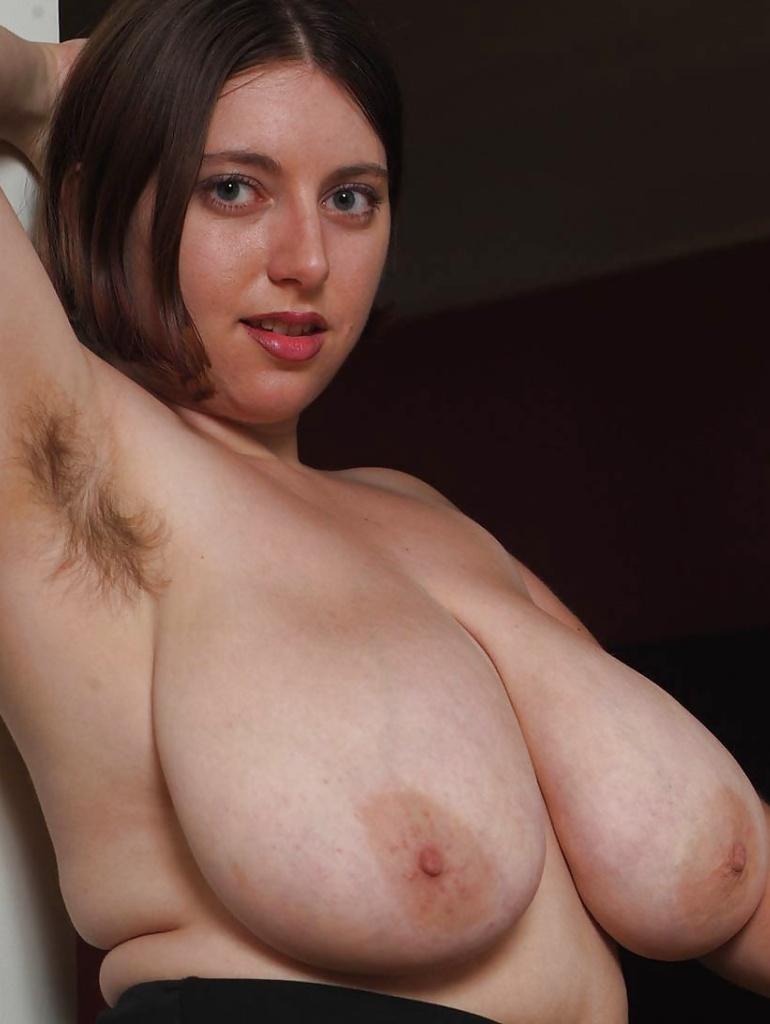 Nackte Damen für Sex Anzeige Frankfurt begeistern.