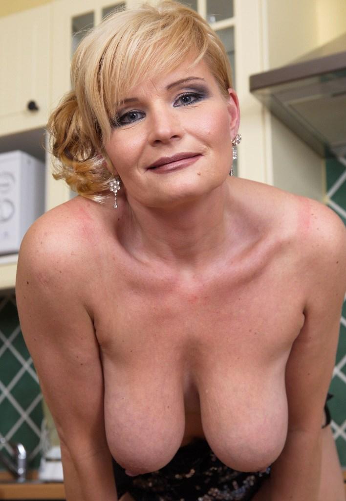 Sexgeile Hausfrau