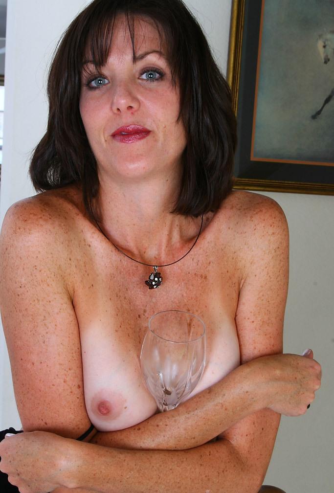 Sexgierige Cougars brauchen lustvolles Sexvergnügen.