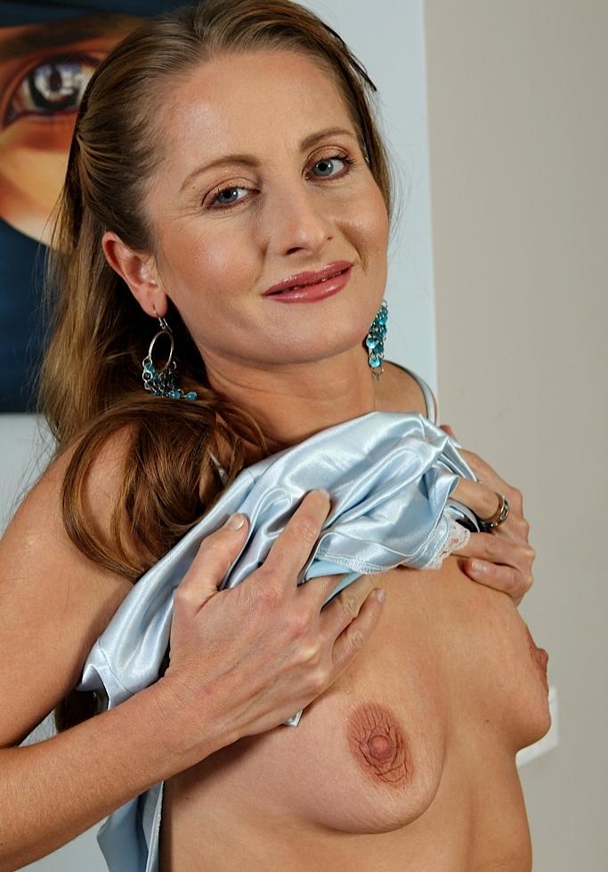 Zeigefreudige Cougars für Erotische Treffen Franken inspirieren.